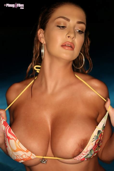 ellis attard s big boobs in a bikini boobgoddess