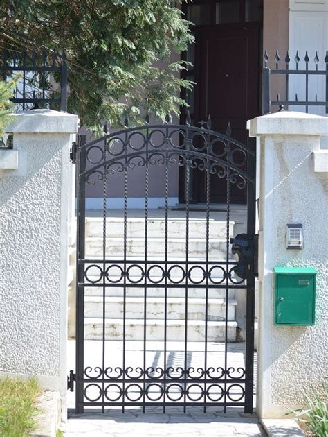 Home Design Gate Ideas by Home Ideas For Gt Simple Iron Gates Design Wrought Iron