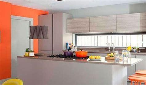 cocina naranja  gris una decoracion moderna alegre
