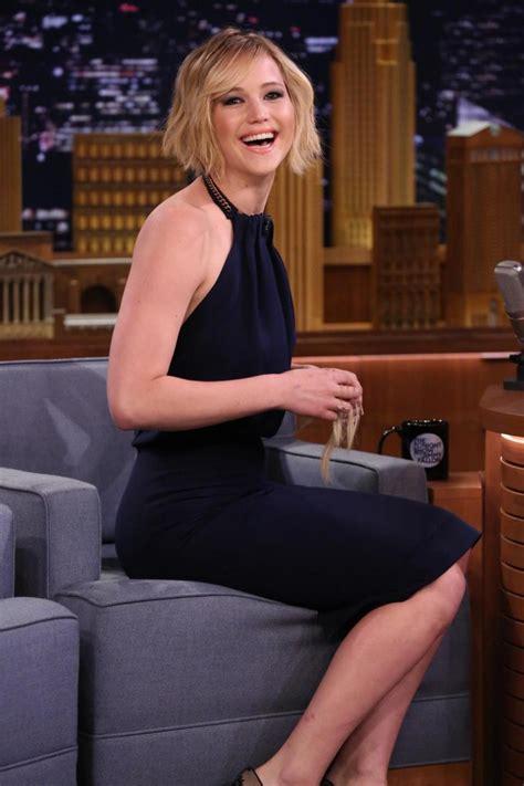 Jennifer Lawrence Rocks A Beard On Jimmy Fallons Tonight