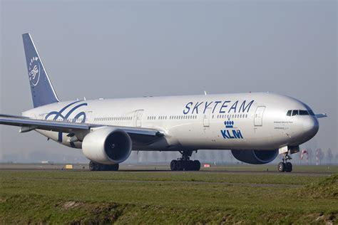 File:PH-BVD B777-300 KLM Skyteam (6881181316).jpg ...