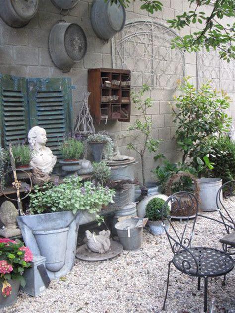Shabby Chic Garden For Romantic Feel House Design
