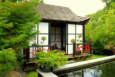 la vie en rose japanese garden