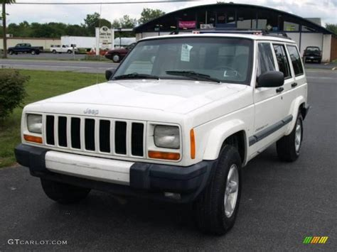jeep cherokee white 2000 stone white jeep cherokee sport 4x4 16029824 photo