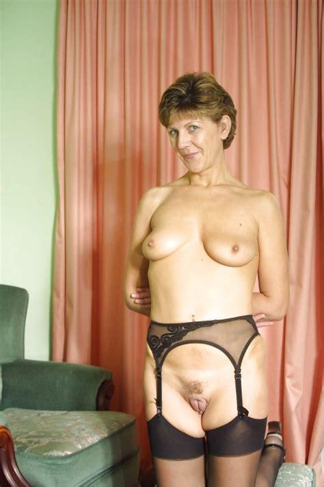 English Mature Sara Full Nudity