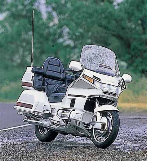 honda goldwing 1500 honda gl1500 goldwing 1998 2000 motorcycle review mcn