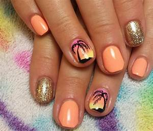 Beach coral gel hombre fade palm tree nails in 2019 | Palm ...