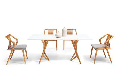 chaise de salle a manger en bois table de salle à manger design scandinave vispa dewarens