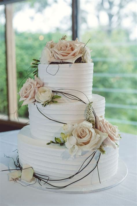 Wedding Cake 3 Tier White Icing Peach And White Flowers