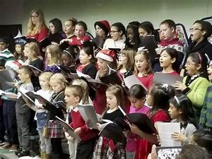 Streamwood choir gives voice to low-income kids