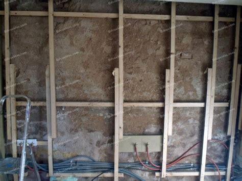 comment reparer un mur interieur humide isolation mur int 233 rieur humide ed71 jornalagora