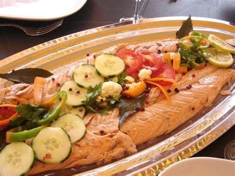 cuisine chinoise poisson saumon entier au four sauce au poivre vert la bonne cuisine