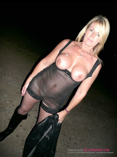 In Gallery Mature Busty Slut Dogging Picture