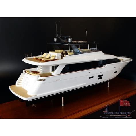 Model Boats Motor Yachts by Hatteras 90 Motor Yacht