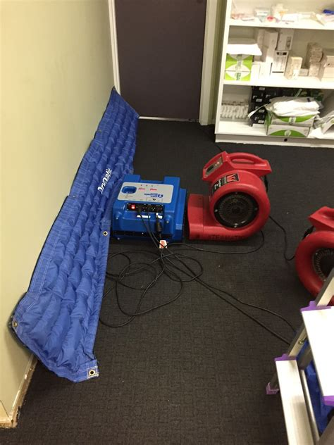 water damage target drying  heat mats steamatic