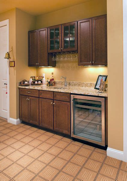 kitchen cabinets with glass 34 best images about bar ideas on basement 6470