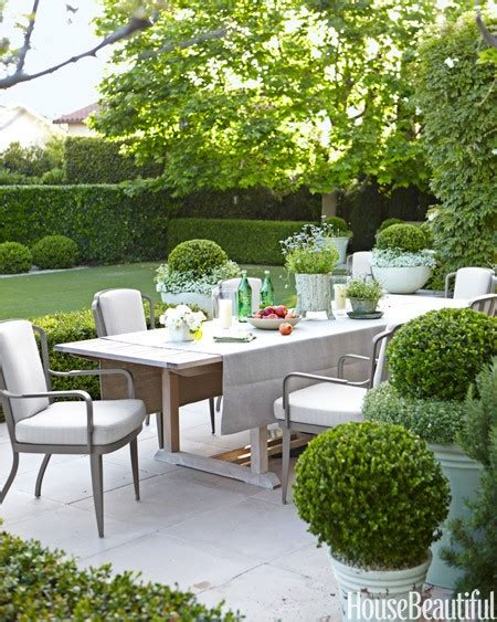 ten  beautiful outdoor dining areas matthew murrey
