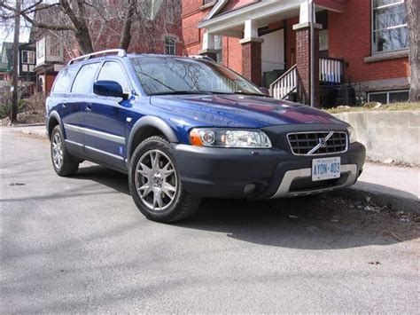 all car manuals free 2006 volvo xc70 parking system buyer s guide 2006 volvo xc70 autos ca