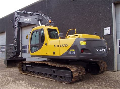 volvo eclc crawler excavators year   sale