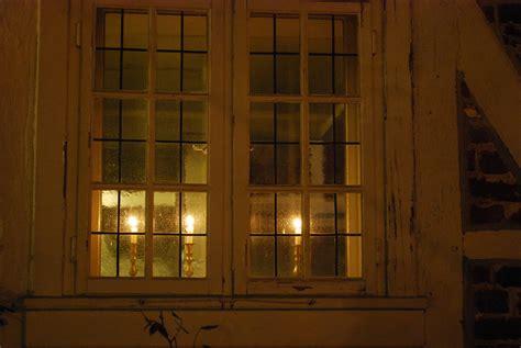 Kerzen Im Fenster Foto & Bild