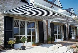 terrasse und garten sonnenschutz ideen sonnensegel und With markise balkon mit tapete grau weiß muster