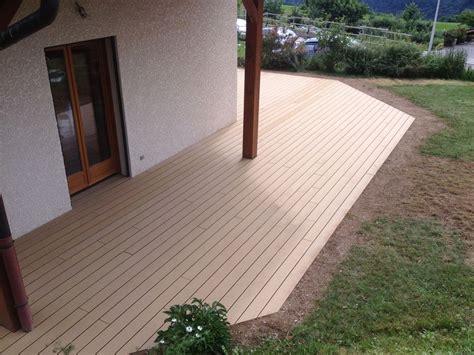 terrasse en bois composite rainur 233