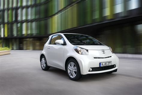 Toyota Iq Usa by 2011 Toyota Iq Photos Price Specifications Reviews