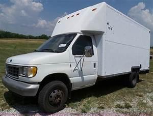 1995 Ford Econoline E350 Box Truck