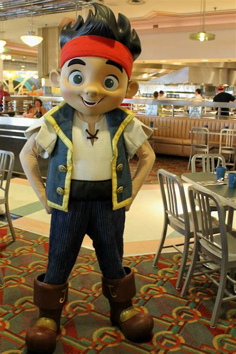 Unofficial Disney Character Hunting Guide: Dining with ...