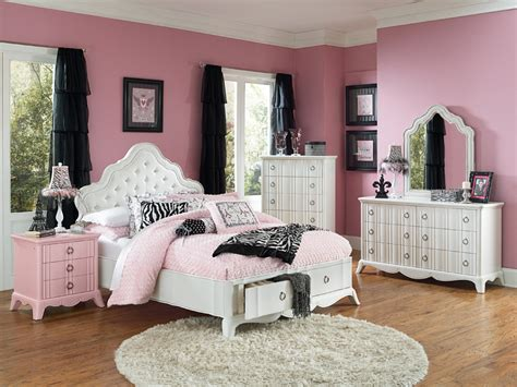 Bedrooms With Black Beds Girls White Full Size Bedroom