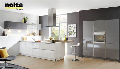 nolte kchen mit kochinsel und theke, nolte kà chen magnolia matt : nolte küchen stilvolle designküchen, Design ideen