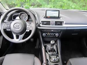Mazda 3 Coffre : essai mazda 3 4 portes esp ce rare ~ Medecine-chirurgie-esthetiques.com Avis de Voitures
