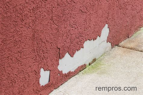 Common problems with stucco   water damage.
