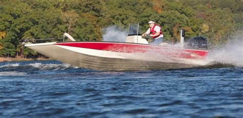 Boat Brands That Begin With C by Muddy Bay