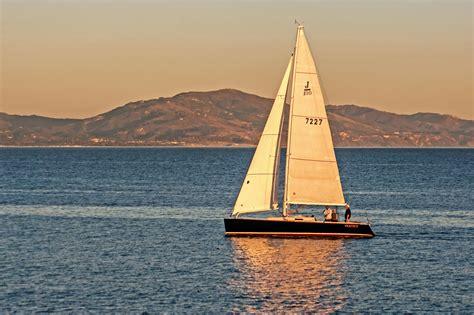 Sunset Sailing in Santa Barbara | Sailing classes & tours