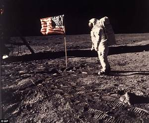 Never-before seen photo shows Neil Armstrong's face as he ...