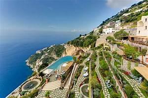 Samt Sofa Rosa : monastero santa rosa luxury hotel amalfi coast ~ Frokenaadalensverden.com Haus und Dekorationen