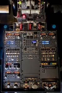 Boeing 737 Central Pedestal  With Radionav Boxes  Transpon