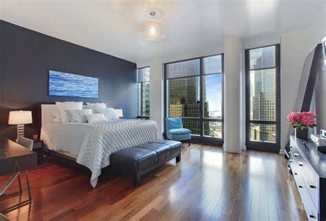 15 Eyecatching Master Bedroom Accent Walls