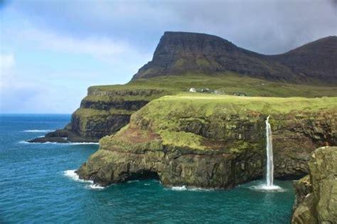 Gasadalur Waterfall - Picture of Gasadalur, Vagar Island