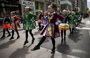 Landmarks go green for St. Patrick's Day around the world ...