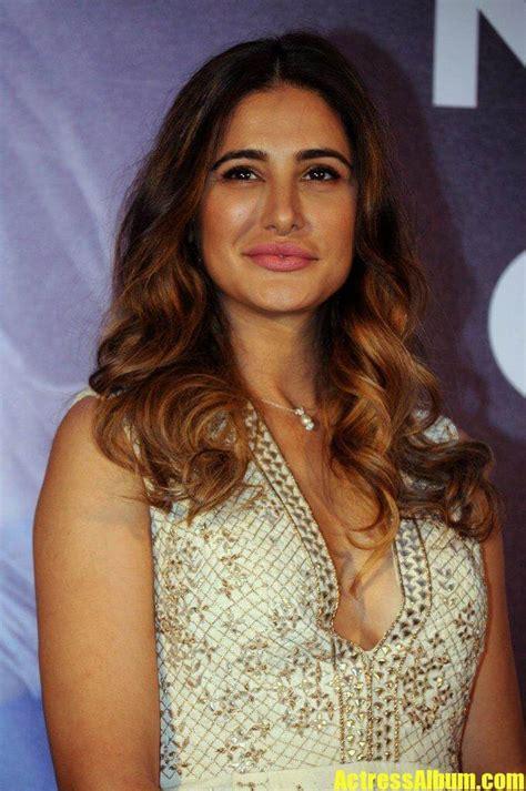 actress nargis fakhri launches   app images