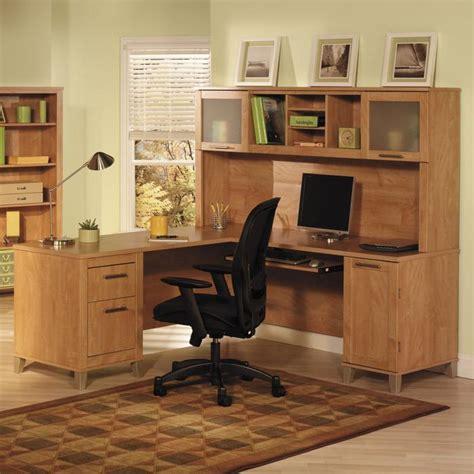 à votre bureau un bureau informatique d 39 angle quel bureau choisir pour