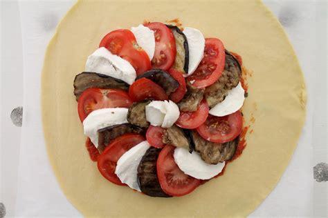 tomates mozzarella aubergines une tarte 224 l italienne