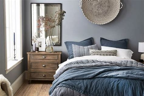 Master Bedroom Decorating Ideas In Blue by Simple Yet Blue Bedroom Walls