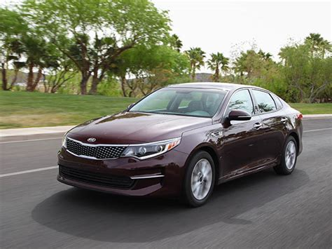 Best Size Sedan by 10 Best Sedans 25 000 Kelley Blue Book