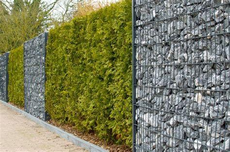 gartenzaun aus stein gartenzaun ideen 22 inspirierende ideen aus holz metall