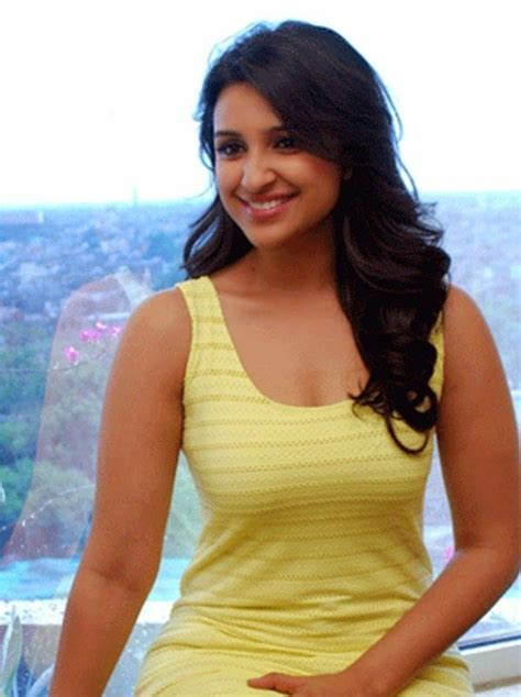hot  bold parineeti chopra wallpaper  pics