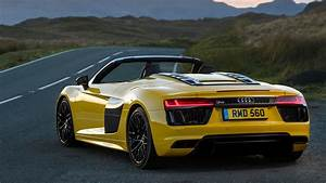 Audi R8 V10 Spyder  2017  Review
