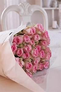 Magnifique bouquet de fleurs mh66 jornalagora for Quelle couleur avec le bleu 6 la signification des roses quelle couleur de roses offrir